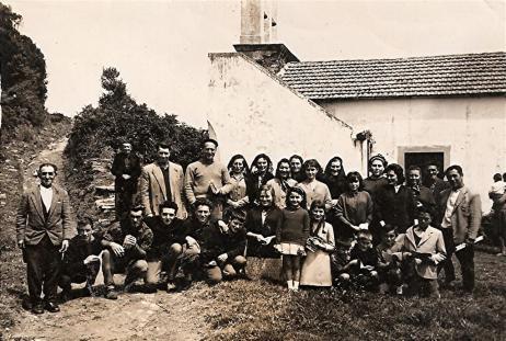 fotos-cedidas-por-conchi-cancela-fdez-al-dorso-evaristo-y-sus-companeros-en-san-martino-de-marnela-1965-large.jpg