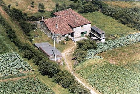 fotos-cedidas-por-conchi-cancela-fdez-casa-con-horreo-en-marnela-1982-large.jpg