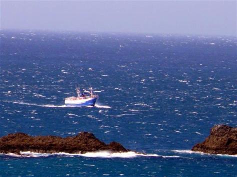1-pesquero-en-ruta-hacia-cedeira-frente-a-o-rodo-pantin-f-goiriz05-07-07-pantin-015-3.jpg