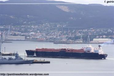 Metanero Galicia Spirit entrando en el dique de Navantia Ferrol - 08-07-2009 - F. Goiriz (Large)