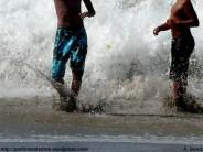 jugando con las olas - f. goiriz (2)