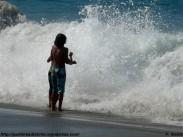 jugando con las olas - f. goiriz