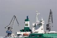 Gasero LNG Delta en los muelles de NAVANTIA Fene desde A Ribeiroa (Barallobre-Fene) - F. Goiriz 07-09-2009 (3)