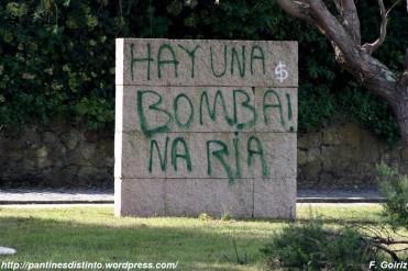 Pintada contra la planta de gas en la la ría de Ferrol en A Ribeiroa (Fene) - F. Goiriz 07-09-2009 (2)