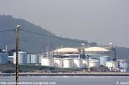 Planta de gas de Reganosa en la ría de Ferrol vista desde A Ribeiroa (Fene) - F. Goiriz 07-09-2009 (2)