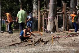 LUGNASAD 2011 - CONSTRUCCIÓN DAS CASETAS DOS CLANS - CEDEIRA 24 DE AGOSTO DE 2011 - FOTOGRAFÍA POR FERMÍN GOIRIZ DÍAZ (24)