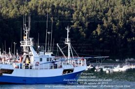 Pesquero de Cedeira INMACULADA ZARPANDO PARA LA COSTERA DEL BONITO - Cedeira, 31 de julio de 2011 - Galicia - fotografía por Fermín Goiriz Díaz (32)
