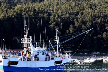 Pesquero de Cedeira INMACULADA ZARPANDO PARA LA COSTERA DEL BONITO - Cedeira, 31 de julio de 2011 - Galicia - fotografía por Fermín Goiriz Díaz (34)