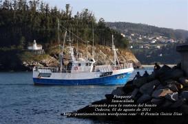 Pesquero de Cedeira INMACULADA ZARPANDO PARA LA COSTERA DEL BONITO - Cedeira, 31 de julio de 2011 - Galicia - fotografía por Fermín Goiriz Díaz (59)