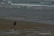 Surfer precalentando - Playa de Pantín (Valdoviño) - Galicia - fotografía por Fermín Goiriz Díaz