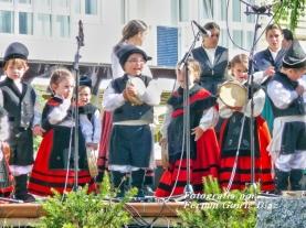 Buxainas danzando na praza roxa de Cedeira, 28 de xullo de 2012 - cantareiras e grupo de baile da A. C. Buxainas - Fotografia por Fermin Goiriz Diaz( (15)