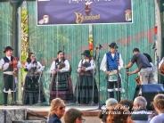 Buxainas danzando na praza roxa de Cedeira, 28 de xullo de 2012 - cantareiras e grupo de baile da A. C. Buxainas - Fotografia por Fermin Goiriz Diaz( (42)
