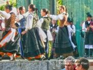 Buxainas danzando na praza roxa de Cedeira, 28 de xullo de 2012 - cantareiras e grupo de baile da A. C. Buxainas - Fotografia por Fermin Goiriz Diaz( (56)