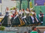 Buxainas danzando na praza roxa de Cedeira, 28 de xullo de 2012 - cantareiras e grupo de baile da A. C. Buxainas - Fotografia por Fermin Goiriz Diaz( (62)