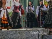 Buxainas danzando na praza roxa de Cedeira, 28 de xullo de 2012 - cantareiras e grupo de baile da A. C. Buxainas - Fotografia por Fermin Goiriz Diaz( (65)