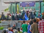 Buxainas danzando na praza roxa de Cedeira, 28 de xullo de 2012 - cantareiras e grupo de baile da A. C. Buxainas - Fotografia por Fermin Goiriz Diaz( (68)