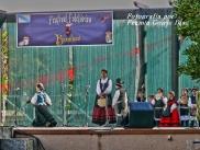 Buxainas danzando na praza roxa de Cedeira, 28 de xullo de 2012 - cantareiras e grupo de baile da A. C. Buxainas - Fotografia por Fermin Goiriz Diaz( (73)