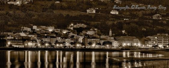 Parorámica nocturna da vila de Cedeira -fotografía por Fermín Goiriz Díaz