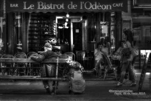 El hombre del banco - fotografía por fermín goiriz díaz, París 29 de junio de 2013