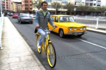 The yellow bicycle - foto Fermin Goiriz Diaz